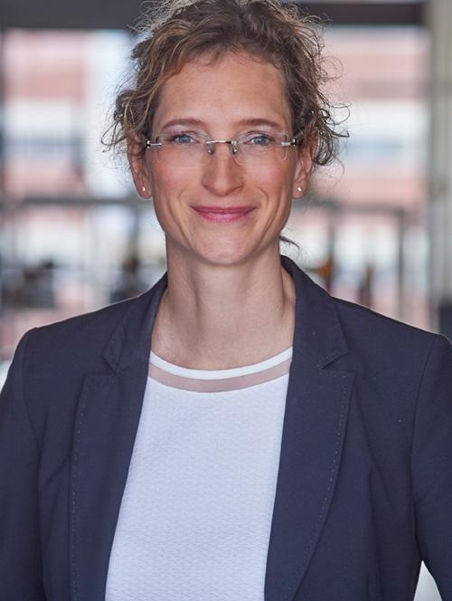 Julia Pietrzik Steuerberaterin Rechtsanwältin